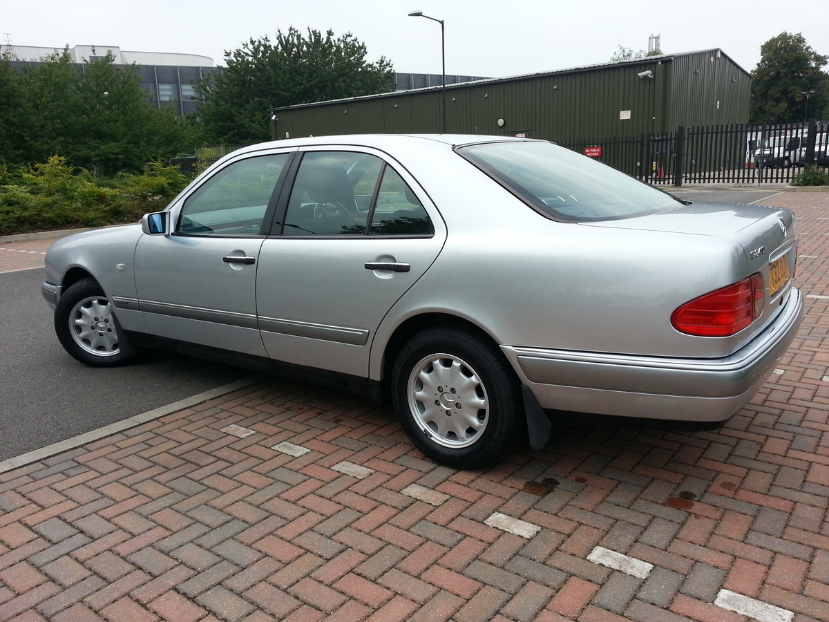 1999 MERCEDES E240 ELEGANCE ONLY 38,600 MILES For Sale (picture 4 of 6)