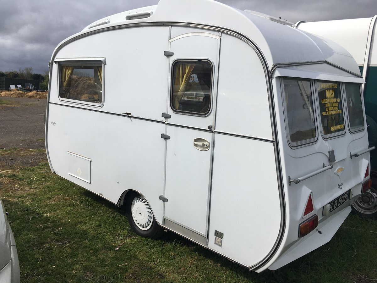 Carlight Vintage Caravan 1957 For Sale (picture 3 of 6)