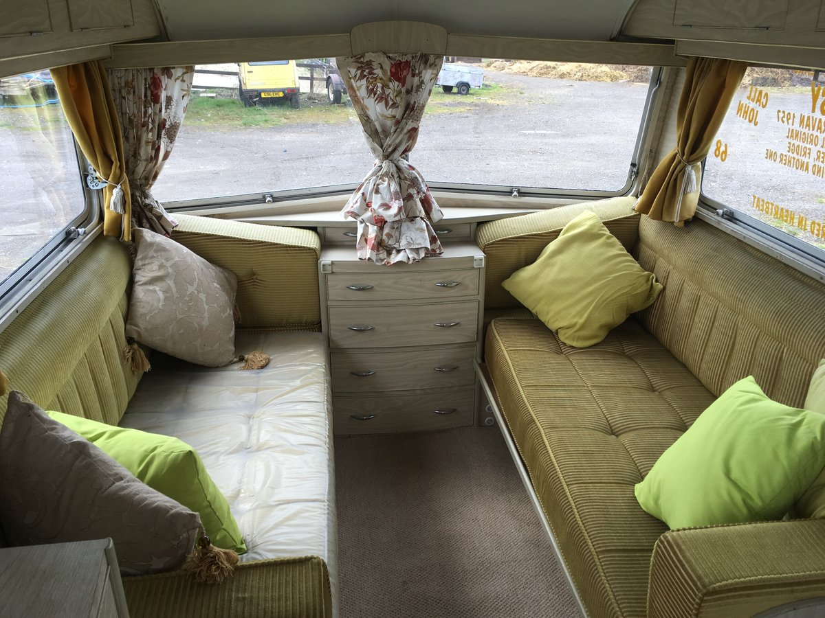 Carlight Vintage Caravan 1957 For Sale (picture 5 of 6)