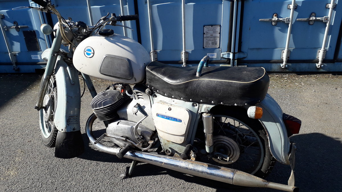 RUSSIAN 350cc twin 1975 For Sale (picture 1 of 6)