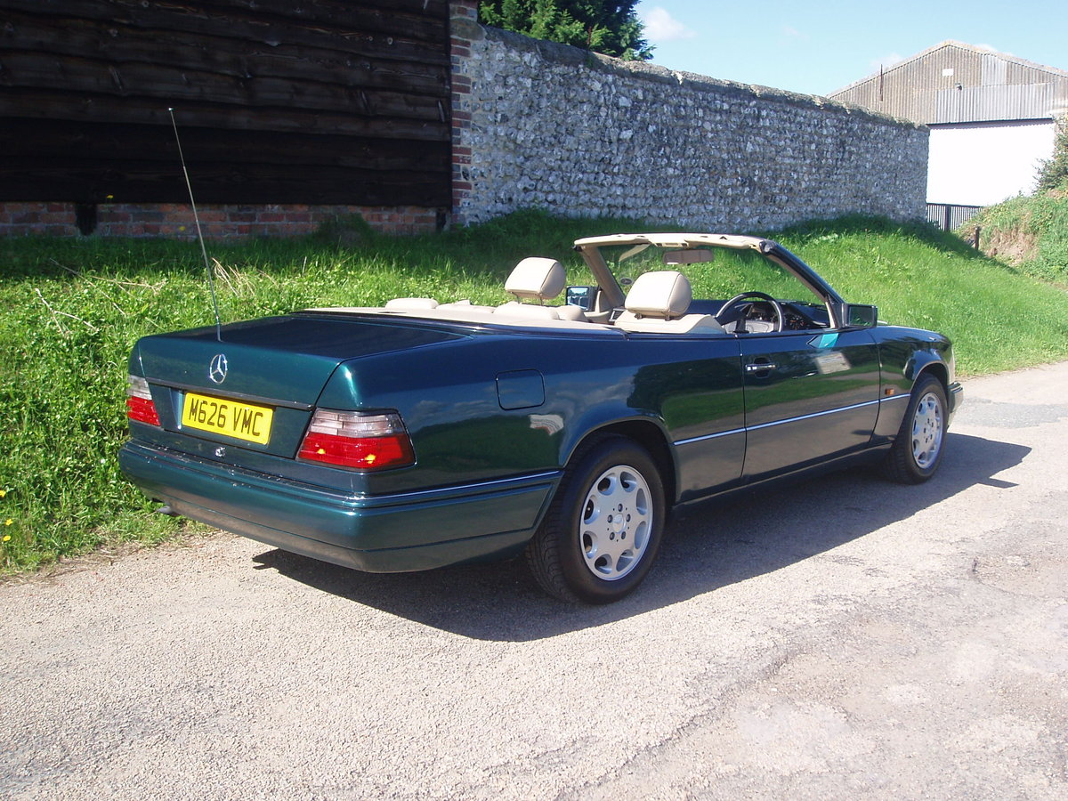 1995 Mercedes E220 Cabriolet A124. SOLD (picture 2 of 6)