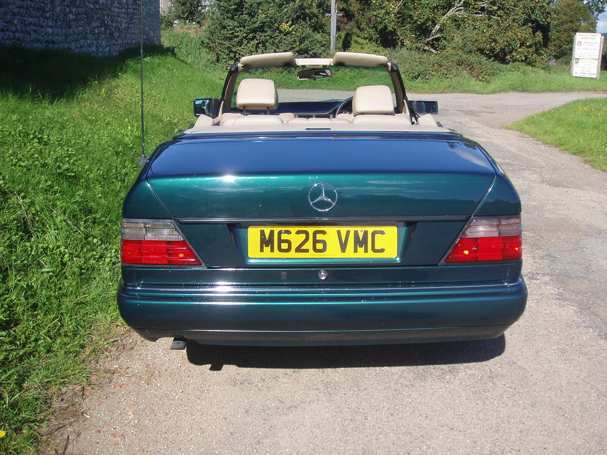 1995 Mercedes E220 Cabriolet A124. SOLD (picture 4 of 6)