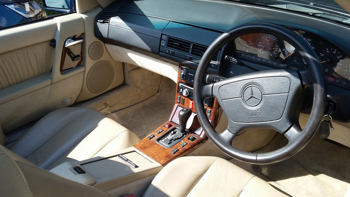MERCEDES SL320 1995 54,000 miles SOLD (picture 5 of 6)