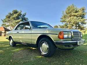 1985  Mercedes Benz 230 CE Auto. Low miles! FSH.
