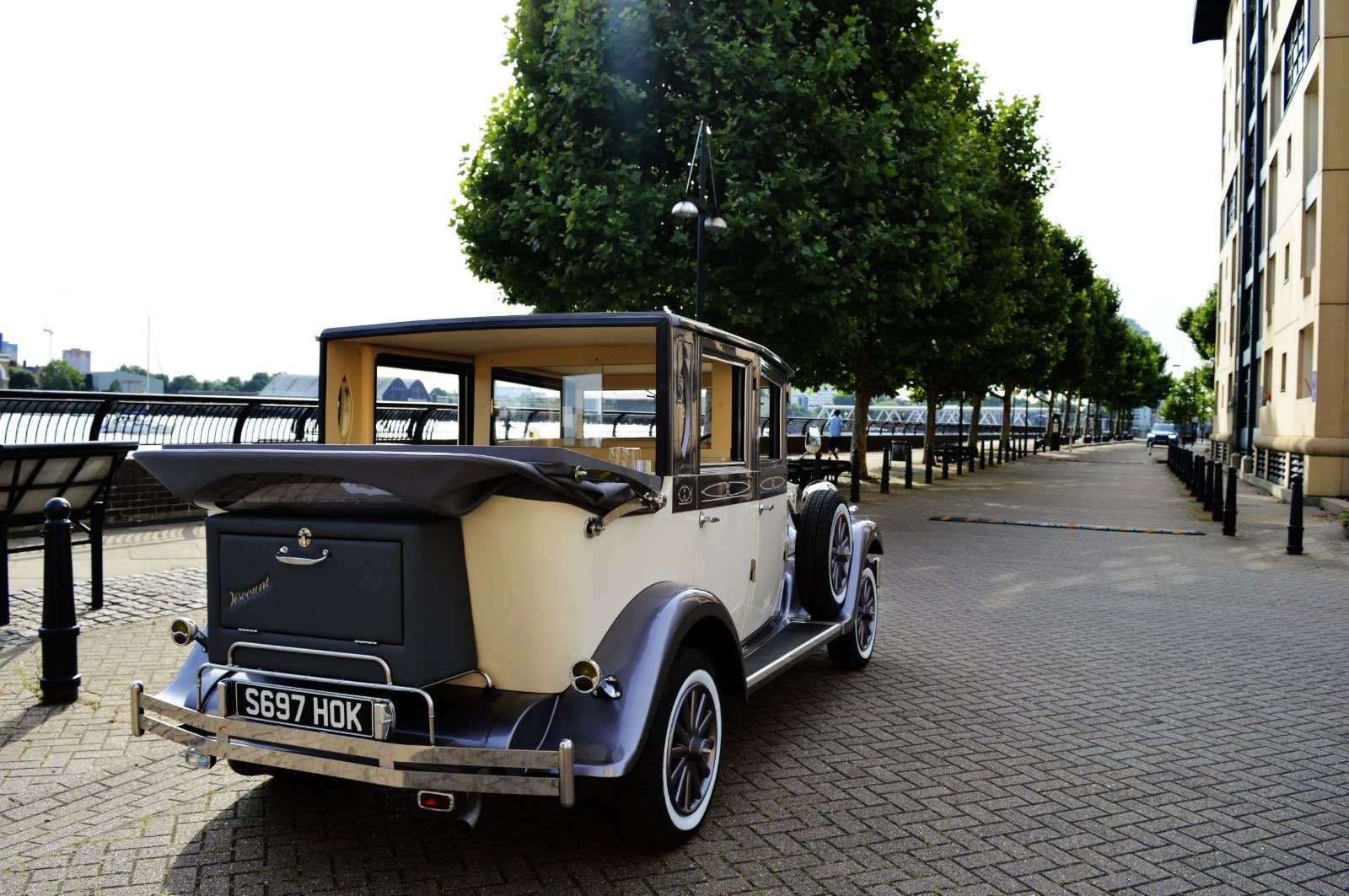 2018 Vintage wedding car hire For Hire (picture 4 of 6)