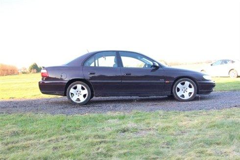 2001 Omega 3.0i V6 24V Elite, 3 Owners SOLD (picture 1 of 5)