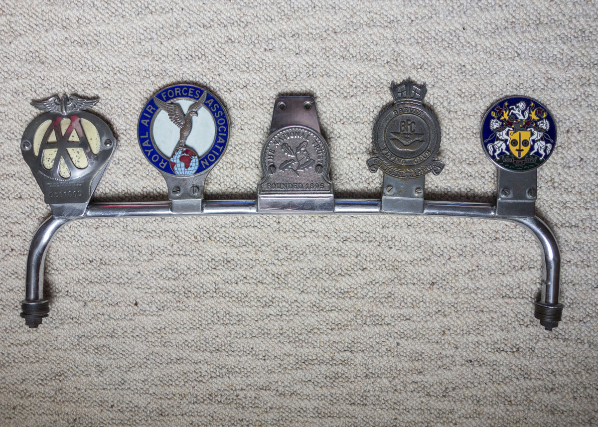 Genuine Classic Car Badge Bar with 5 badges For Sale (picture 1 of 6)