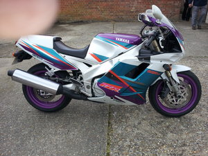 1994 Yamaha fox eye fzr 1000 ru
