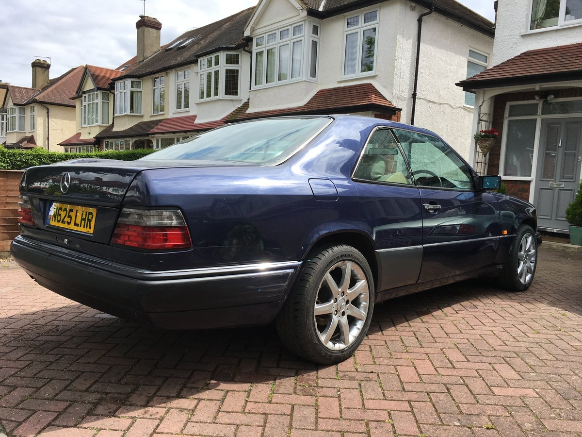 1996 Mercedes E220 COUPE, full MOT, needs tidying up For Sale (picture 4 of 6)