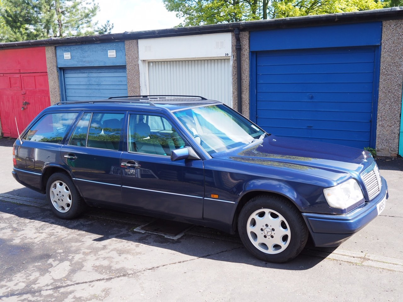 1994 W124 E280 TE with 7 seats For Sale (picture 3 of 6)
