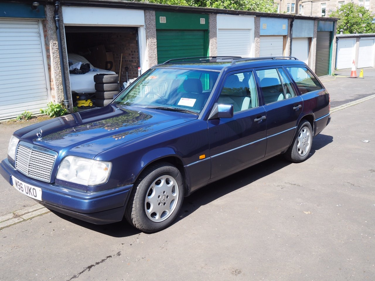 1994 W124 E280 TE with 7 seats For Sale (picture 4 of 6)