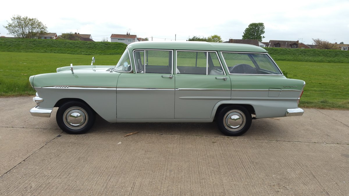 1960 STUNNING VAUXHALL VICTOR ESTATE. SOLD (picture 2 of 6)