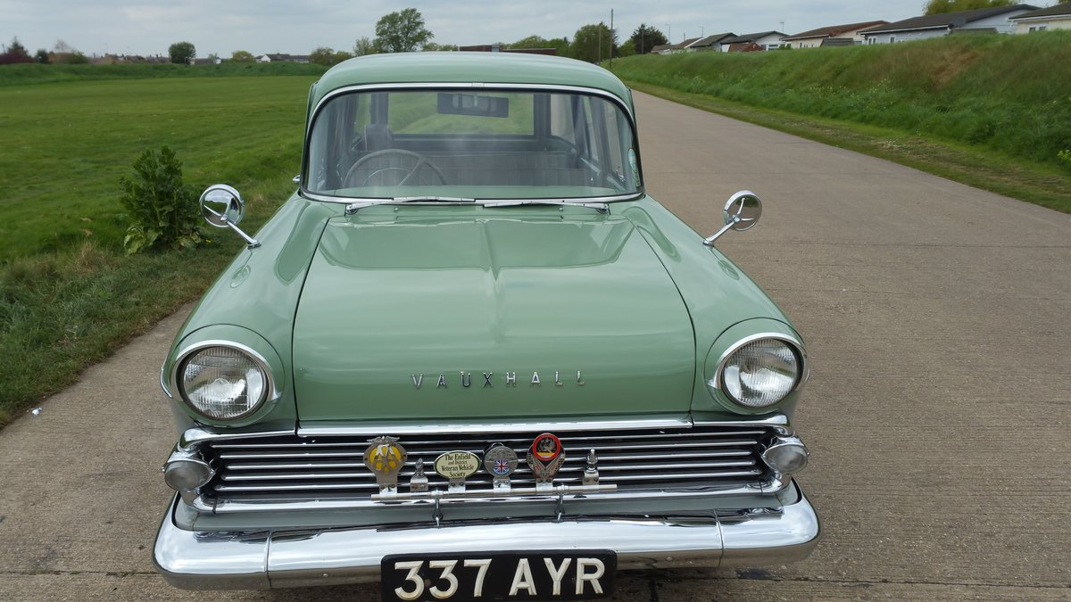 1960 STUNNING VAUXHALL VICTOR ESTATE. SOLD (picture 3 of 6)