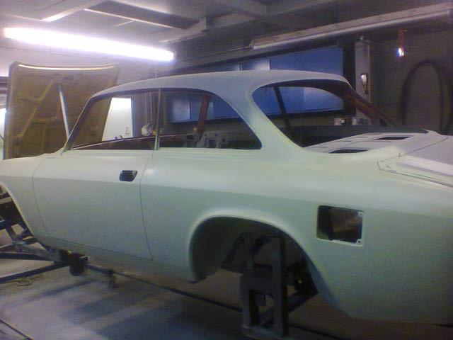 1975 Alfa Romeo 2000 GTV  restored bodyshell RHD For Sale (picture 4 of 6)
