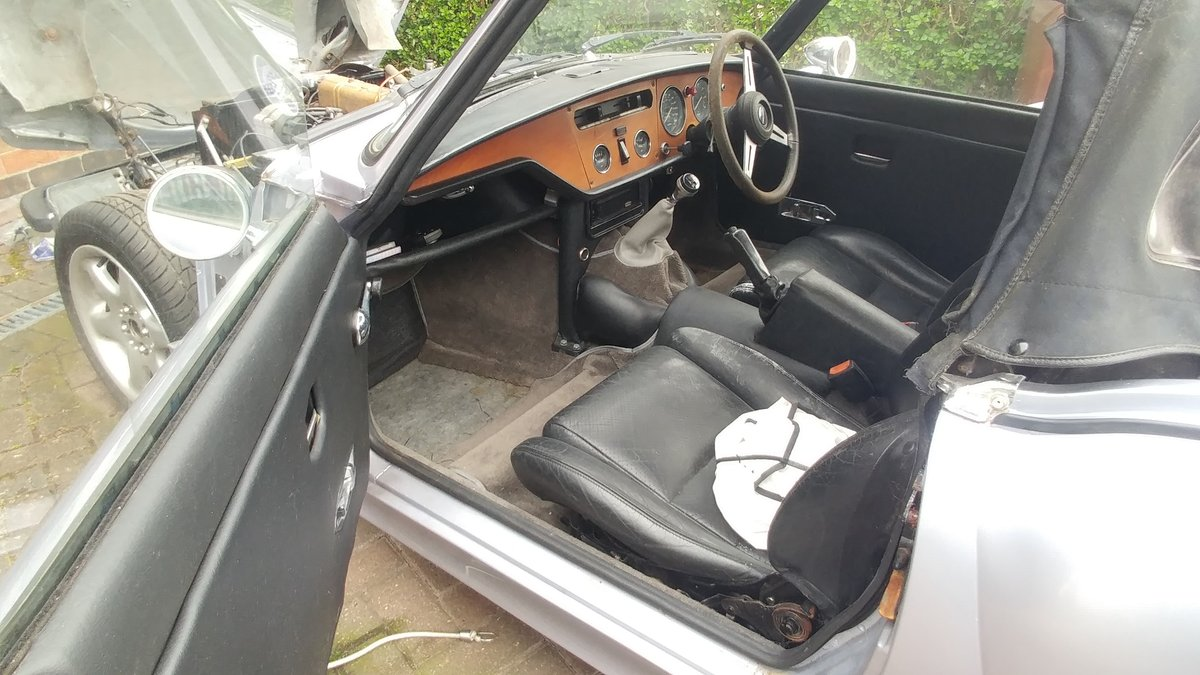 1977 A runner but a small paint & clean project For Sale (picture 4 of 6)