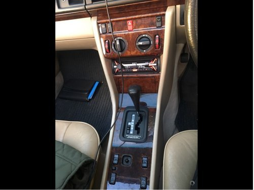 E class 1994 classic Mercedes For Sale For Sale (picture 5 of 6)