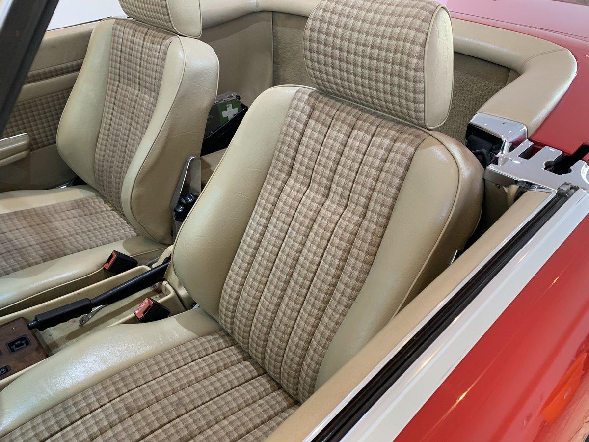 Mercedes Benz 300sl 1989 facelift r107 'G reg' For Sale (picture 2 of 6)