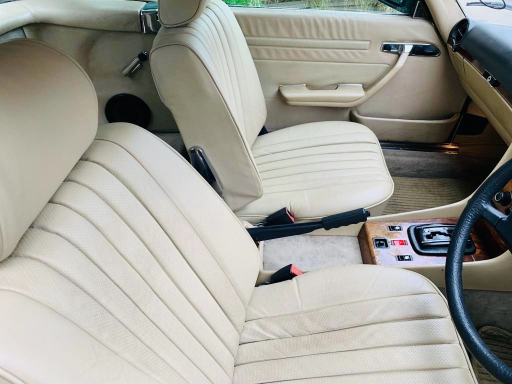 Mercedes 500 SL 1985 Automatic- good condition For Sale (picture 4 of 6)