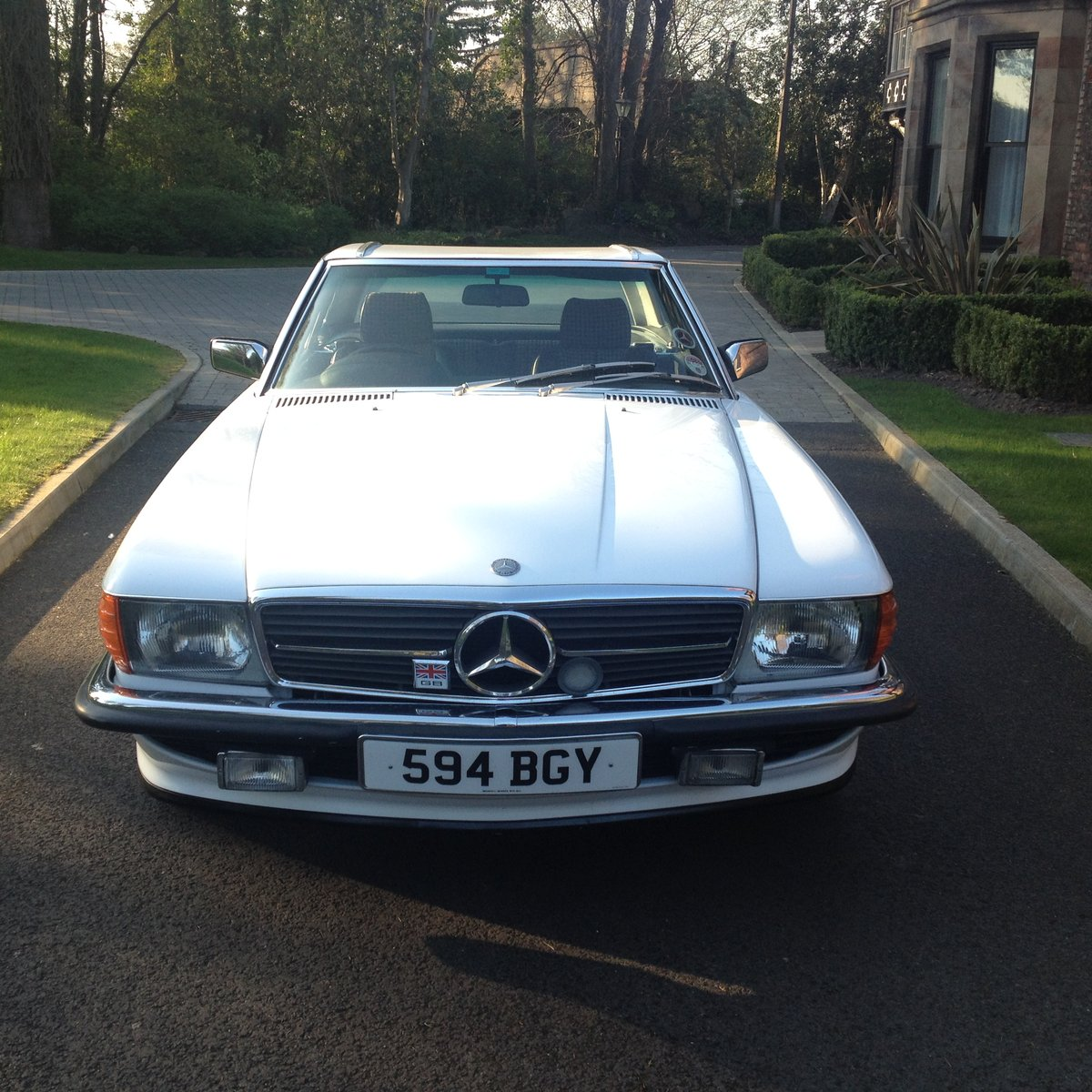 1986 Mercedes R107 300 SL For Sale (picture 2 of 6)
