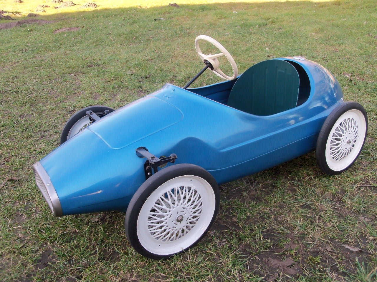 Triang Vanwall Pedal Car For Sale (picture 1 of 6)