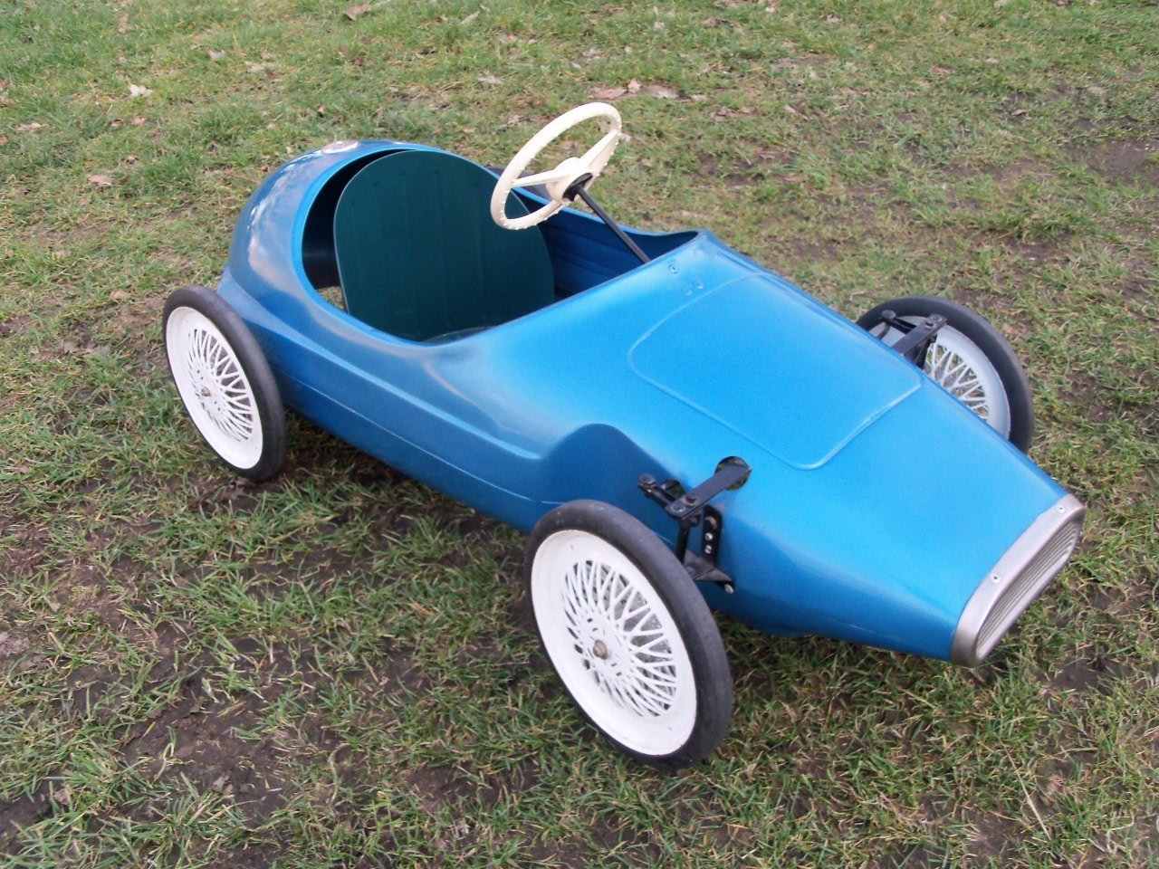 Triang Vanwall Pedal Car For Sale (picture 2 of 6)