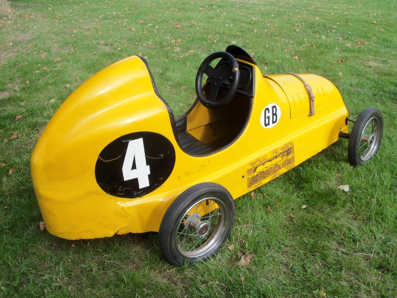 Austin Pathfinder Pedal Car (Replica) For Sale (picture 3 of 6)