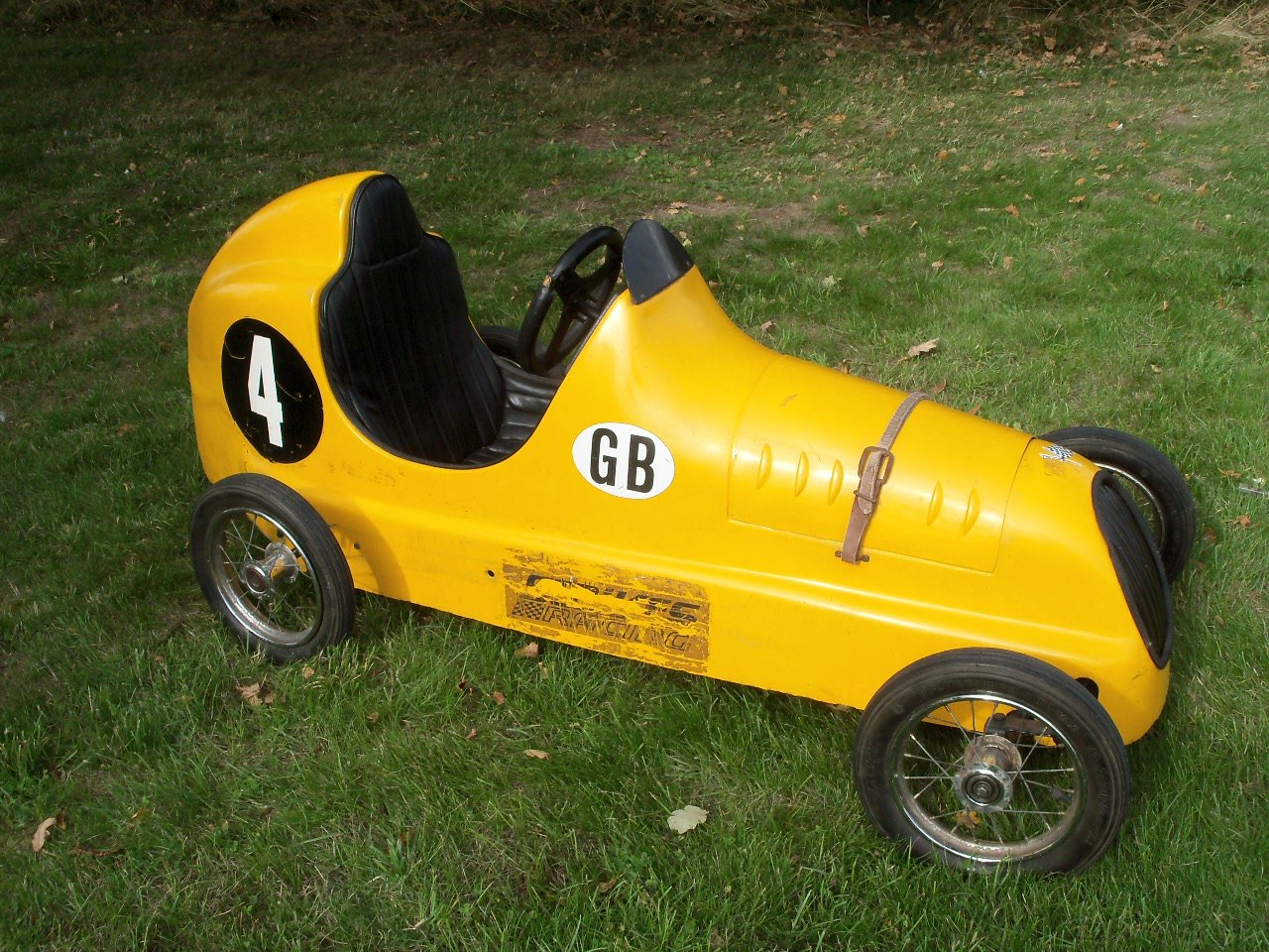 Austin Pathfinder Pedal Car (Replica) For Sale (picture 4 of 6)