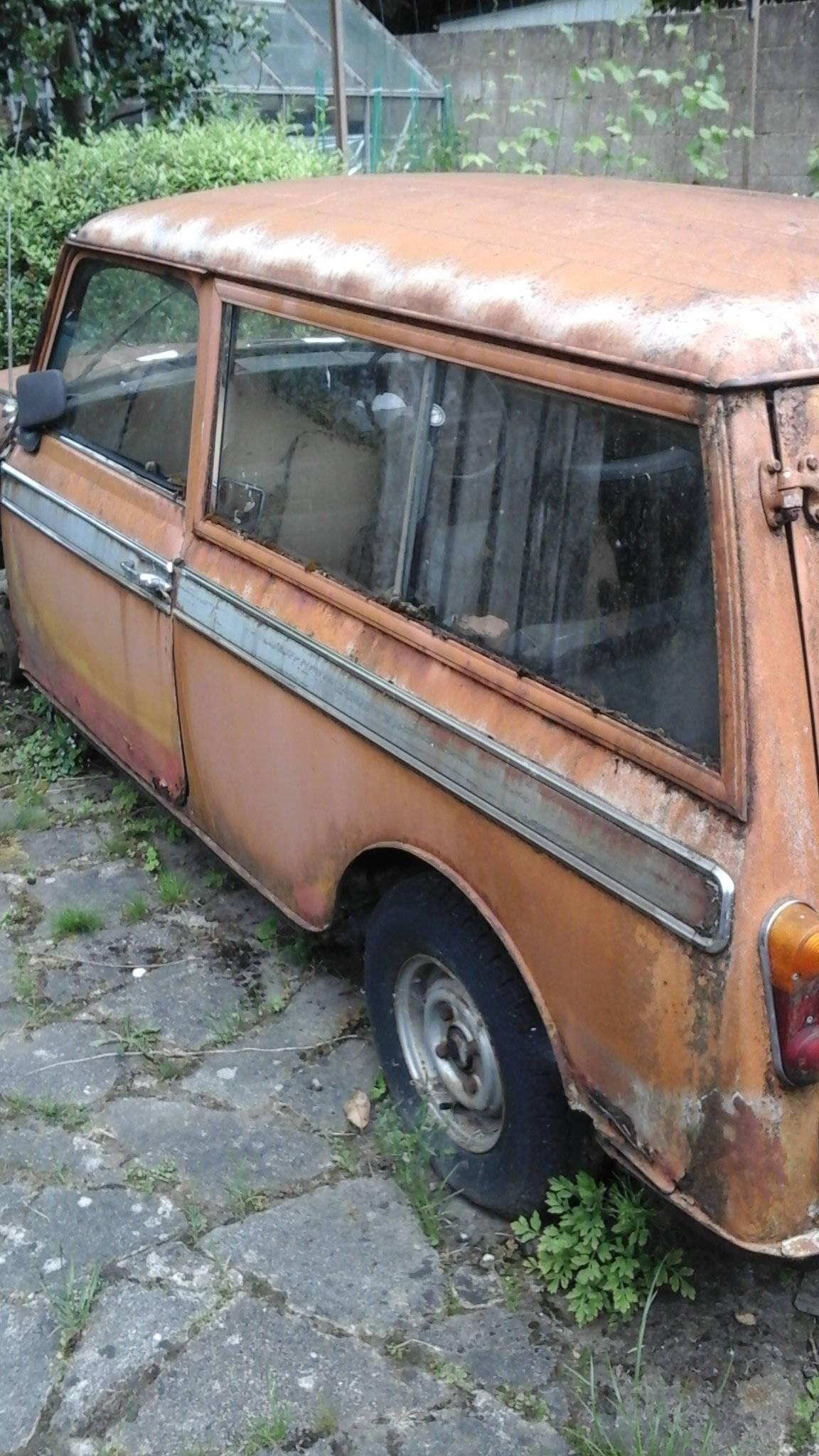 1971 mini clubman estate project SOLD (picture 1 of 6)