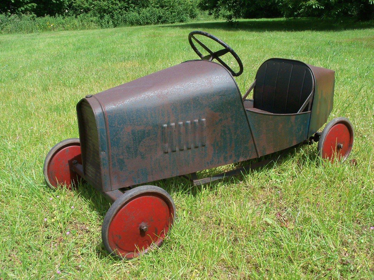 Bugatti Pedal Car (1930's) Superb  SOLD (picture 1 of 6)