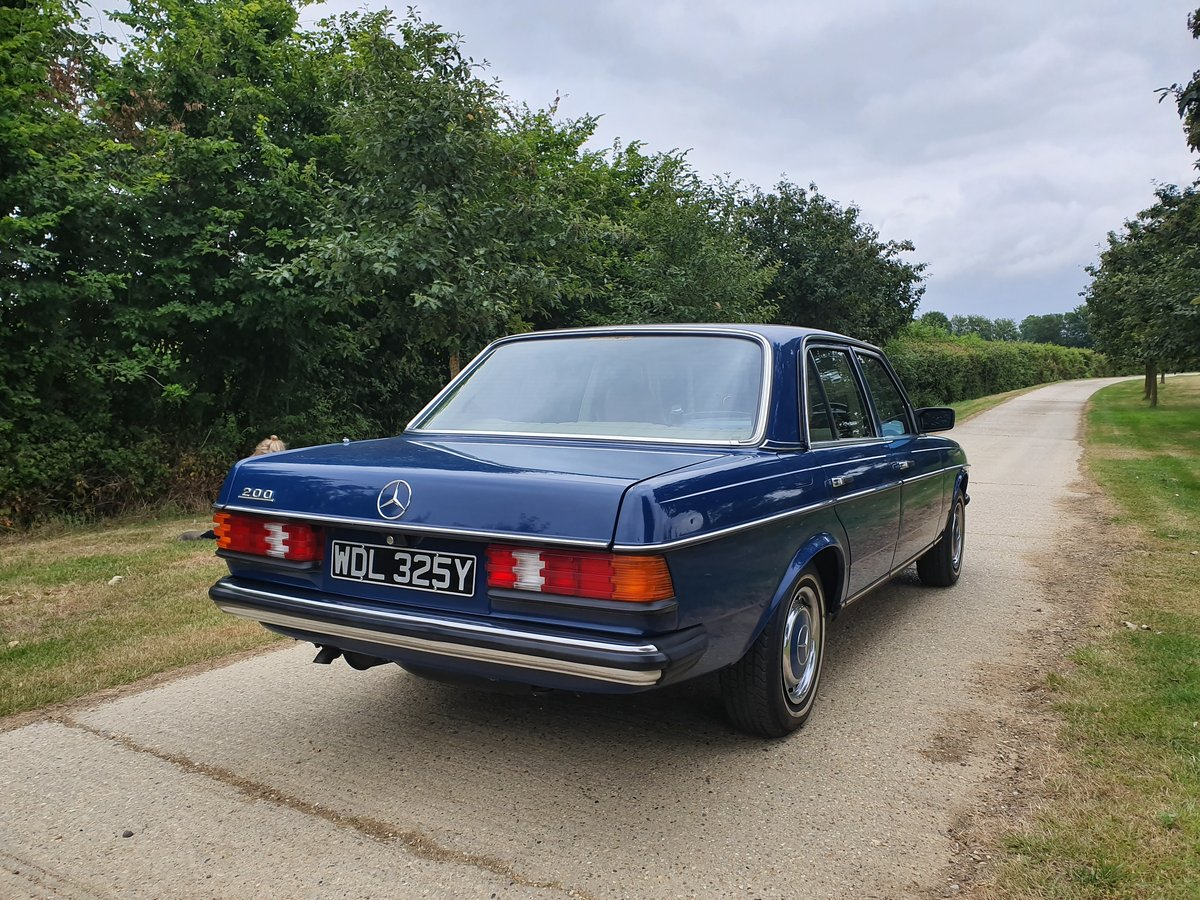 1983 Stunning Mercedes E200 For Sale (picture 5 of 6)