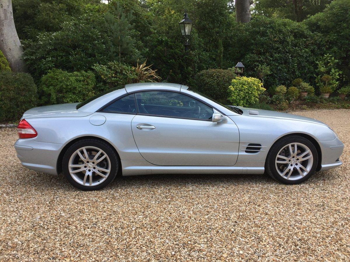 Mercedes SL AMG body kit factory fitted 2007 For Sale (picture 1 of 6)