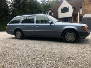 1992 lovely classic w124 230 TE in stunning condition