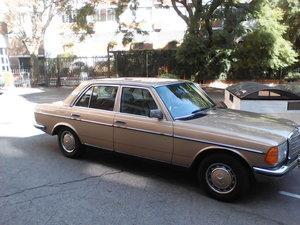 MERCEDES BENZ W123 230E: 46 000 MILES: 1985