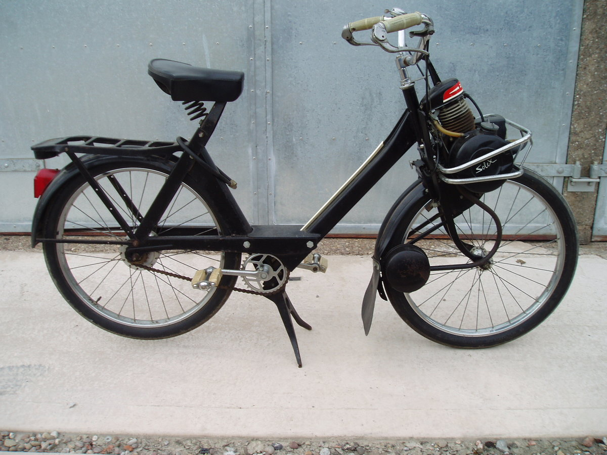 1967 Very original Velosolex 3800 - lovely patination!! SOLD (picture 1 of 6)