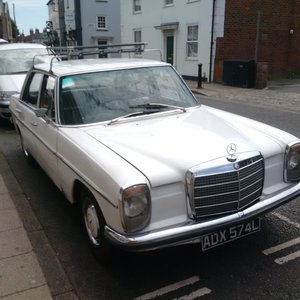 1972 Mercedes 220 SE automatic historic registered 4dr For Sale
