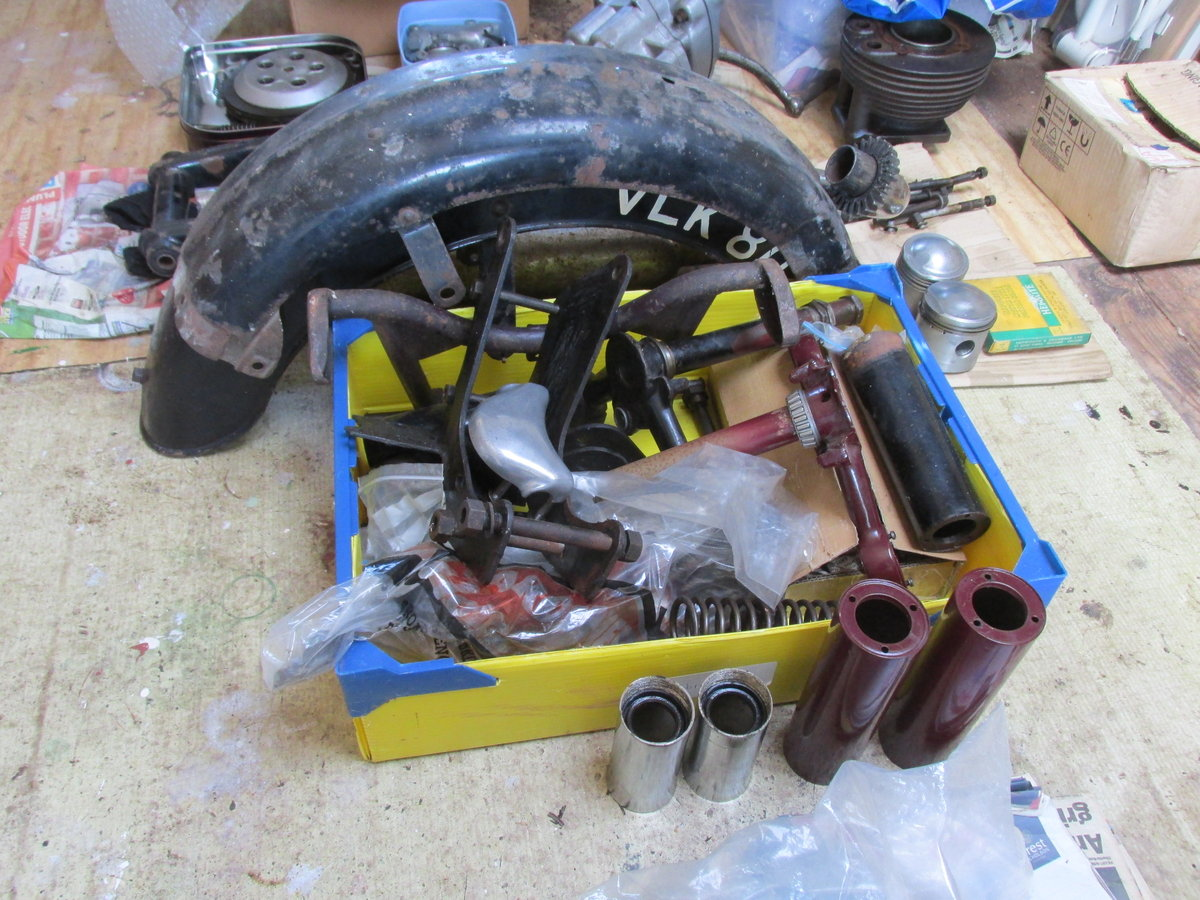 1958 Ariel NH350 Project - Dismantled bike for Rebuild SOLD (picture 2 of 6)