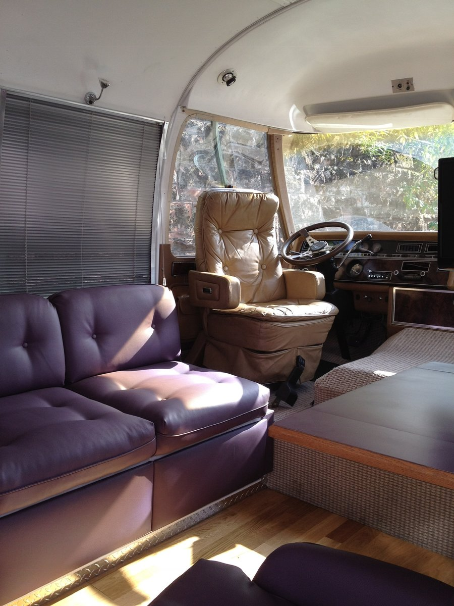 1984 Vintage Airstream 310 RV For Sale (picture 2 of 6)