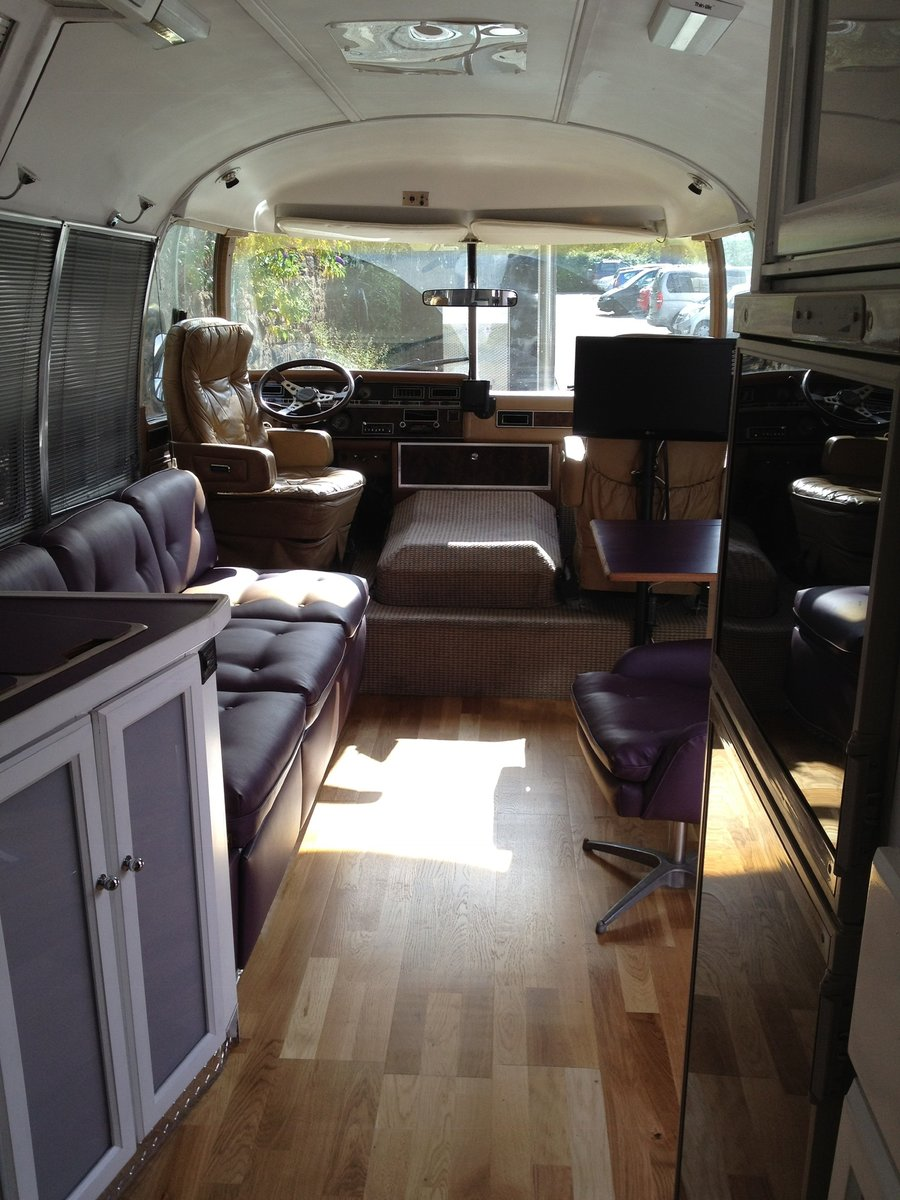 1984 Vintage Airstream 310 RV For Sale (picture 3 of 6)
