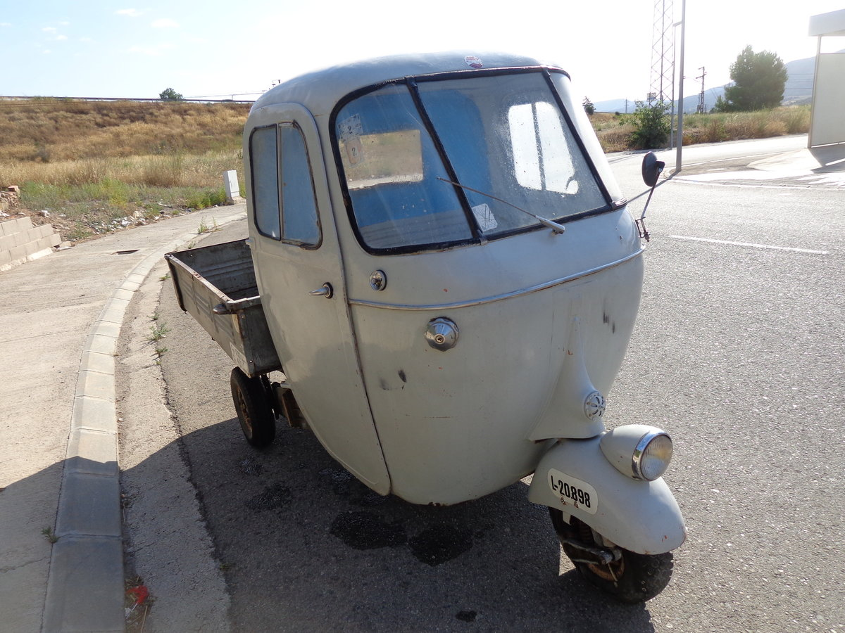 1962 Vespacar 125 For Sale (picture 4 of 6)