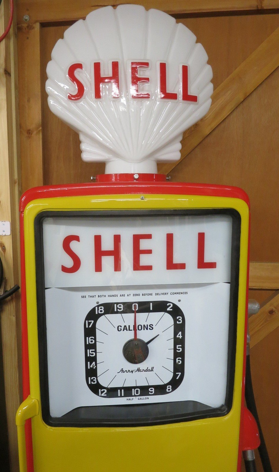 1960 Avery Hardoll restored petrol pump SOLD (picture 2 of 6)