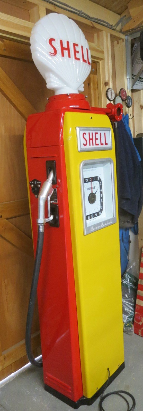 1955 Avery Hardoll 1950's restored Shell petrol pump For Sale (picture 1 of 6)