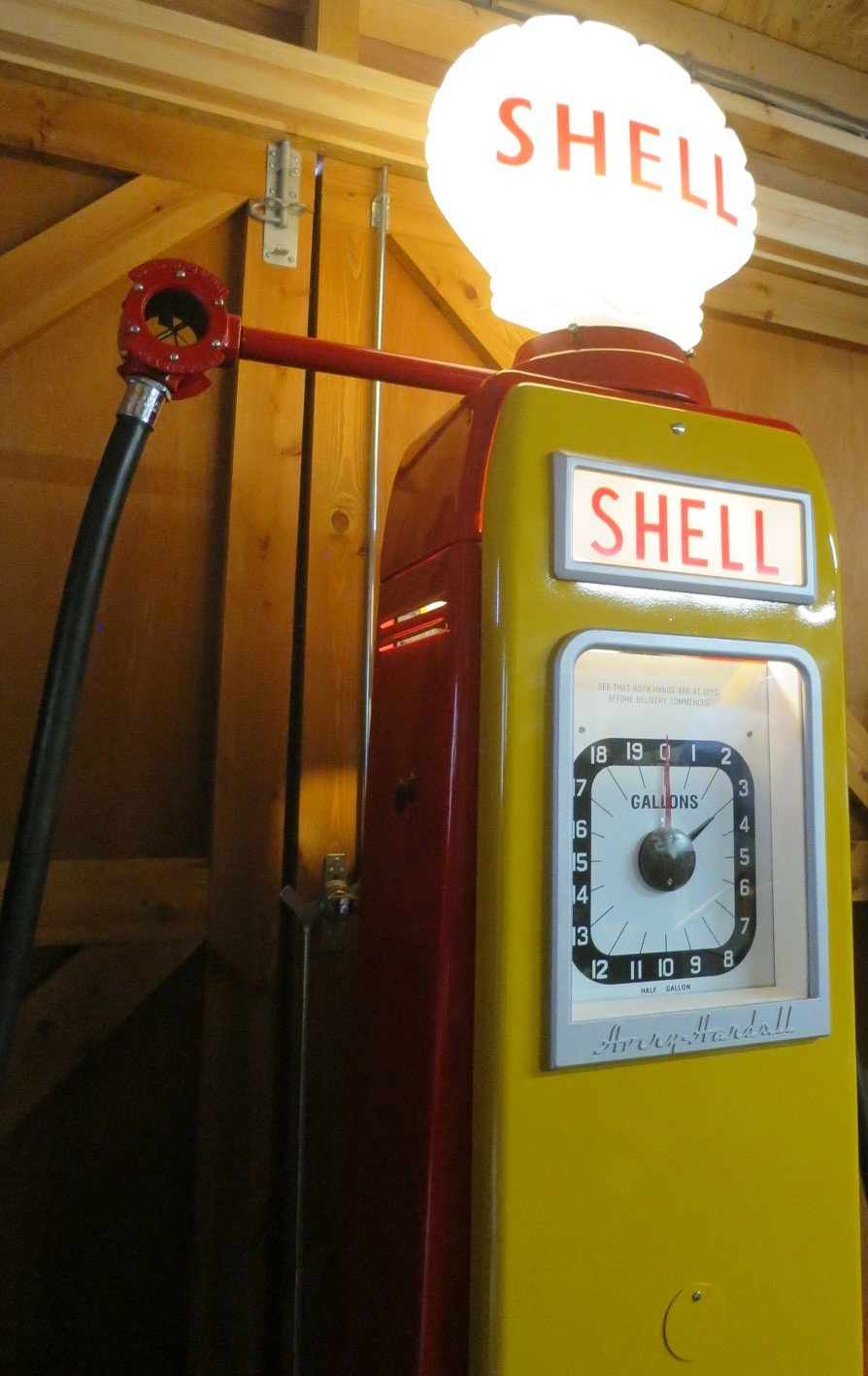 1955 Avery Hardoll 1950's restored Shell petrol pump For Sale (picture 3 of 6)
