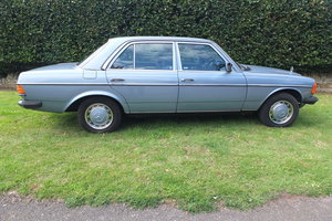1985 Mercedes Benz W123, 230E, 4 Door Manuel For Sale