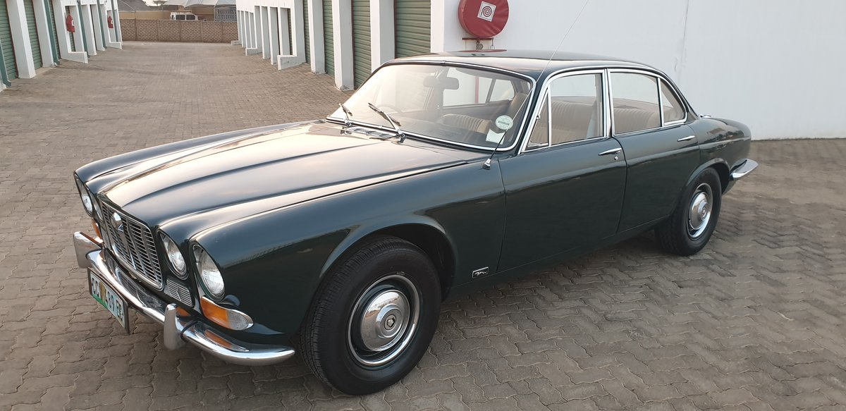 1970 Jaguar XJ6 Series 1 Manual OD For Sale (picture 1 of 6)