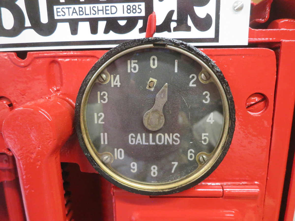 Bowser petrol pump just restored 1920's  For Sale (picture 5 of 6)