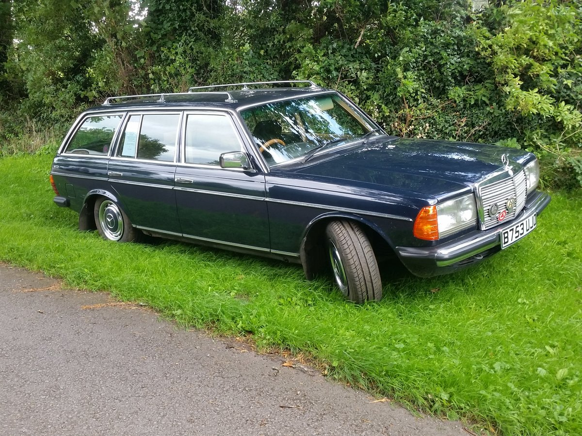 1984 Mercedes W123 beautifull rust free 7 seat estate SOLD (picture 1 of 6)