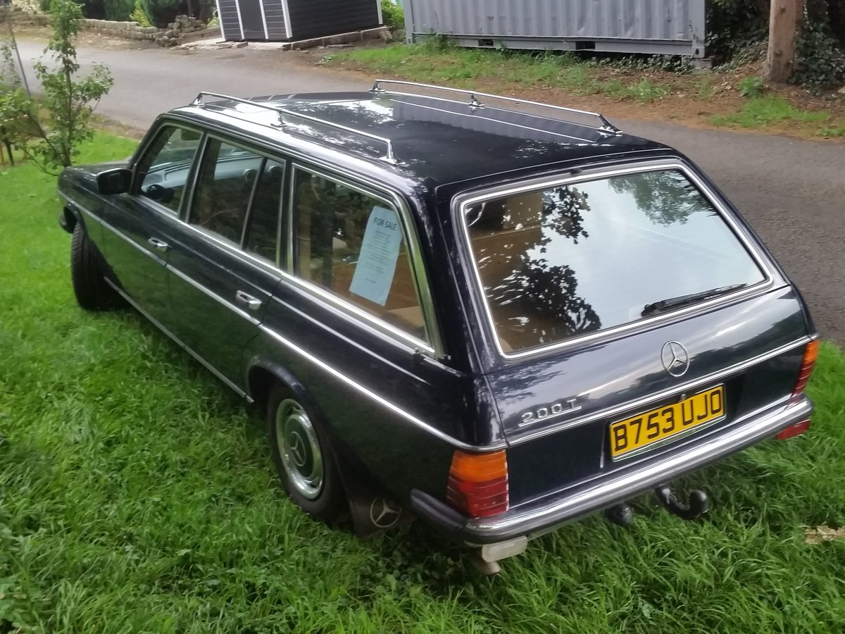 1984 Mercedes W123 beautifull rust free 7 seat estate SOLD (picture 2 of 6)