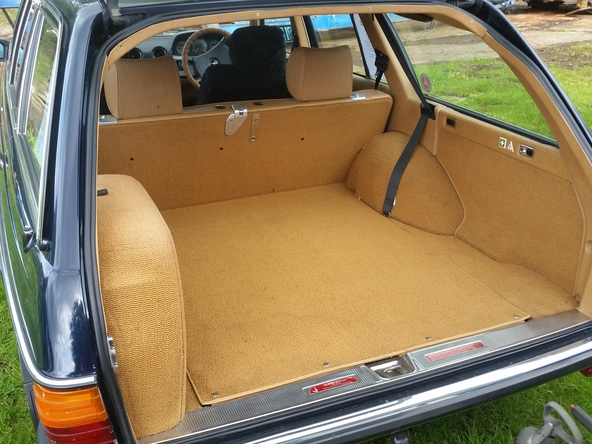 1984 Mercedes W123 beautifull rust free 7 seat estate SOLD (picture 3 of 6)