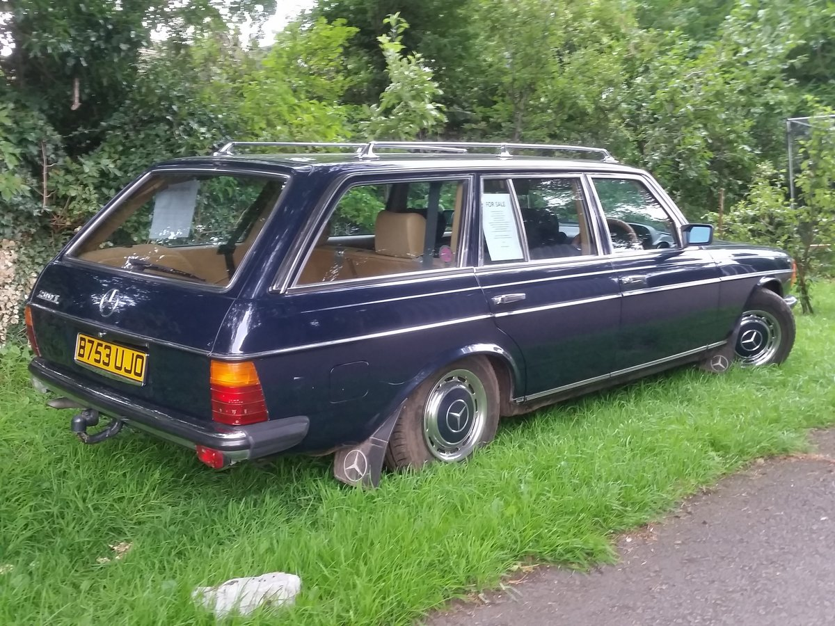 1984 Mercedes W123 beautifull rust free 7 seat estate SOLD (picture 6 of 6)