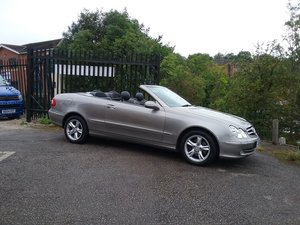 2004 Mercedes CLK 240 Avantgarde Convertible For Sale